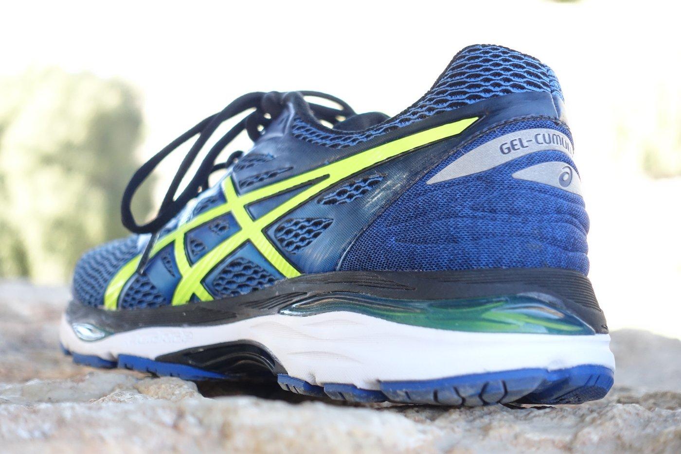 נעלי ריצה של אסיקס
