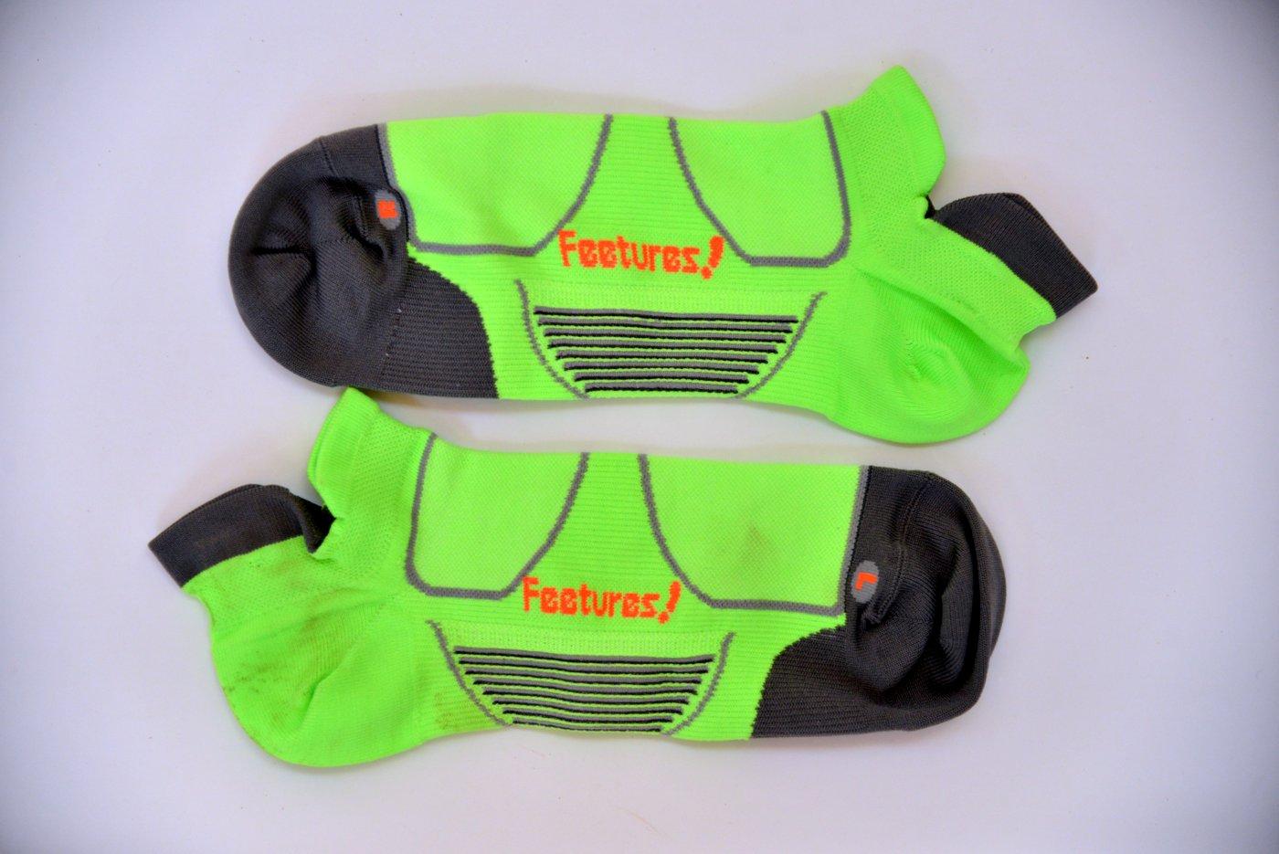 Features running socks