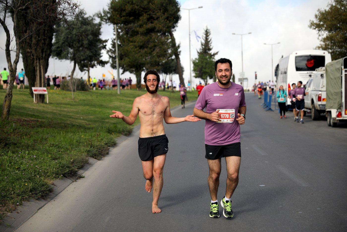 ריצה יחפה