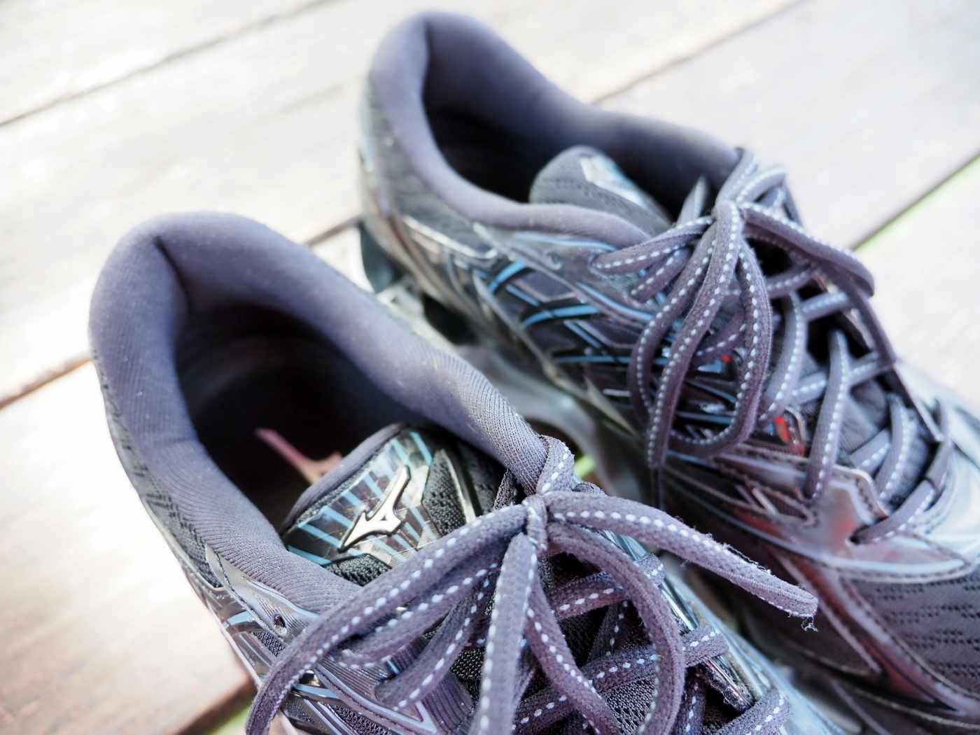 נעלי מיזונו