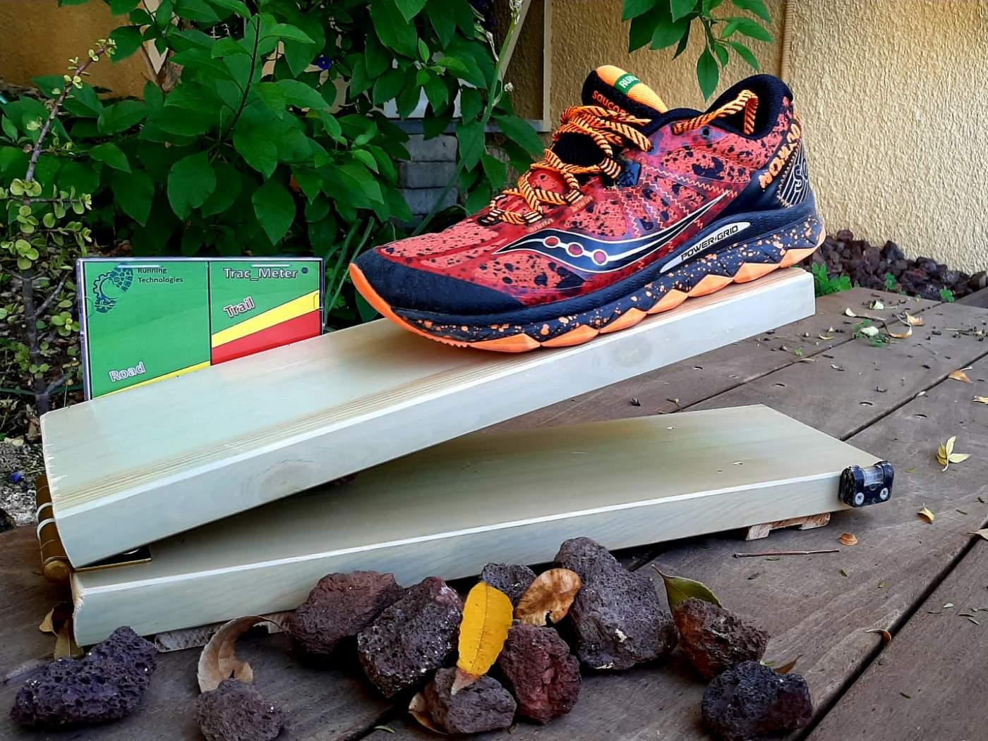 אחיזה נעלי ריצה