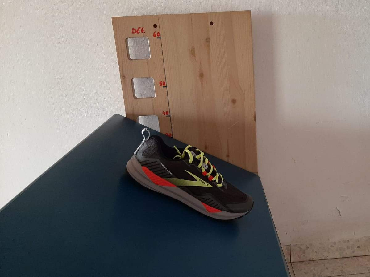 מדידת מקדם חיכוך נעלי ריצה