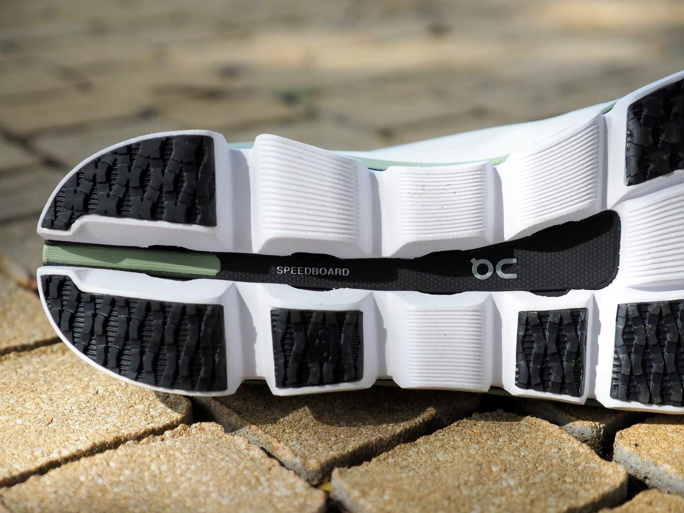 נעלי ריצה קרבון
