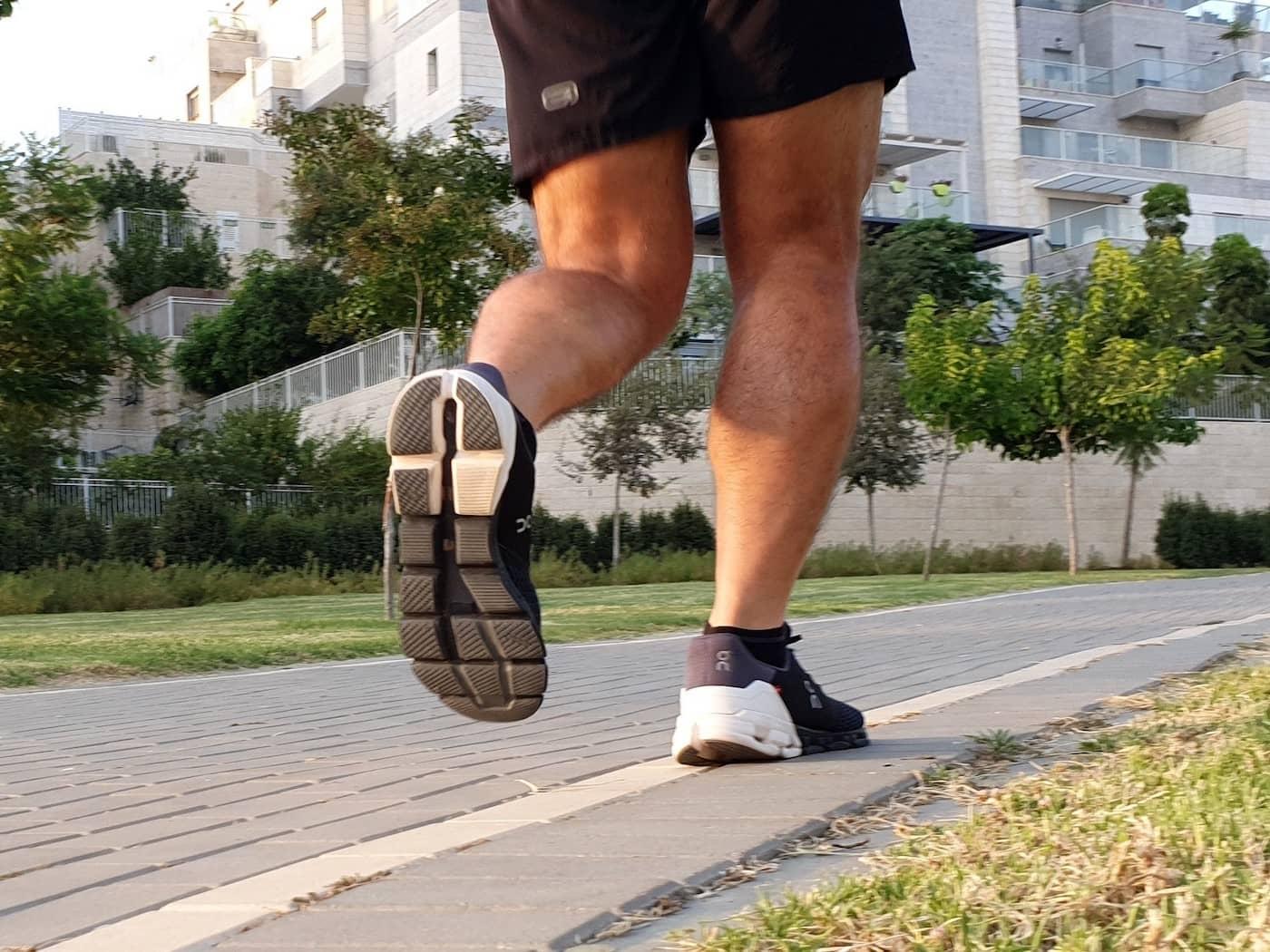 נעלי ON CloudFlyer במבחן